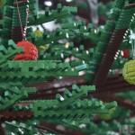 Positivons ! Un sapin de Noël en Lego de 10 mètres de haut