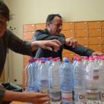 """Opération """"Offrez une bouteille d'eau du barrage de Sivens à votre élu(e) !"""" / © Collectif pour la sauvegarde de la zone humide du Testet"""