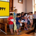 Carmaux : We are happy from Carmaux, un Clip vidéo tourné par le conseil municipal enfants