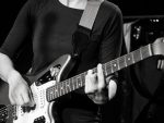 concert-raymonde-howard-guitare-heroine.jpg