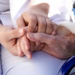 Vendredi 15 juin 2012 : Journée mondiale de lutte contre la maltraitance des personnes âgées / © Gilles Lougassi - Fotolia