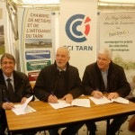 Signature d'une convention d'animation territoriale de la filière granit, 27 avril 2013 - De gauche à droite, M. Barthès (CCI Tarn), M. Hormiere (CMA), M. Fabre (Pays Sidobre) / © CCI du Tarn