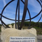 Sivens, sculpture en homage à Remi Fraysse / © La Pelle Masquée