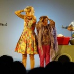 Théâtre comédie - Une guerre à l'étroit (c) Troupe de théâtre de Parisot