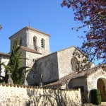 La chapelle de Roumanou et village médiéval (c) AGIT avec l'Association de Sauvegarde de ND d