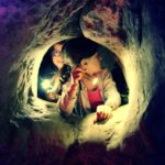 Les petits explorateurs au souterrain (c) Office de Tourisme Intercommunal Tarn-Agout