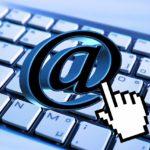 Initiation à l'informatique : ordinateurs (c) Association des centres sociaux du Ségala Tar