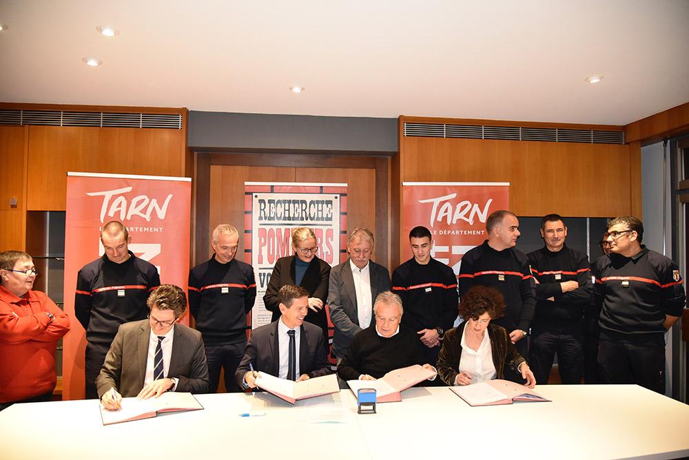 Signature de la Convention des Gestes qui sauvent / © Département du Tarn