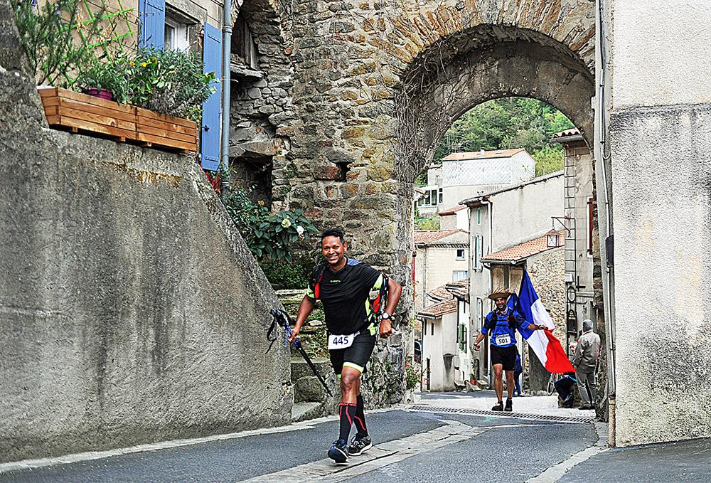Trail de la Passerelle 2019, Les concurrents s'amusent / © Ville d'Aussillon